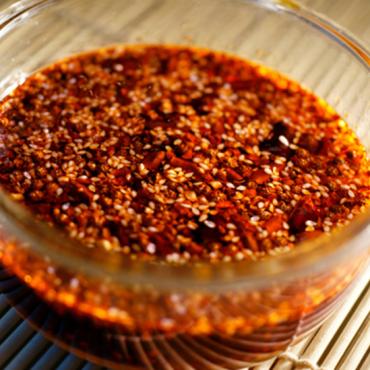 """36年大厨:做出的辣椒油不香,就在搅拌时放点""""它"""",不香才怪!"""