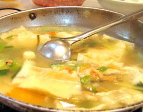漂浮鱼片汤