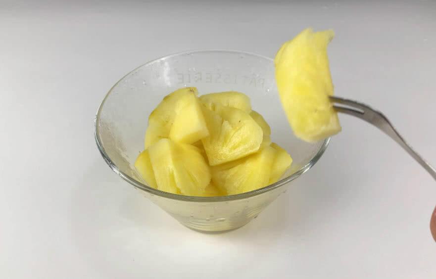 为什么菠萝食用前要用盐水泡一泡?今天终于明白了,早知早受益